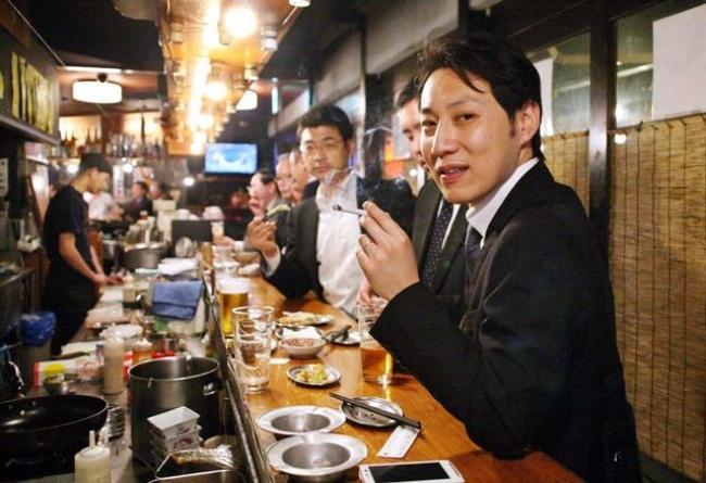 Татиноми — популярные японские бары, где можно только стоять