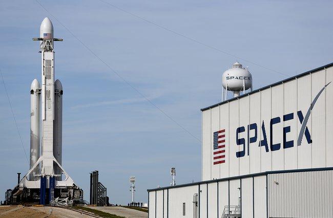 SpaceX, Falcon Heavy, Tesla 6