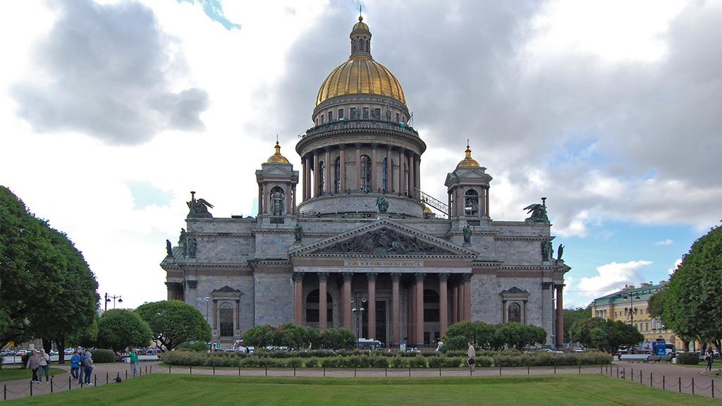 Исаакиевский собор построил Монферран